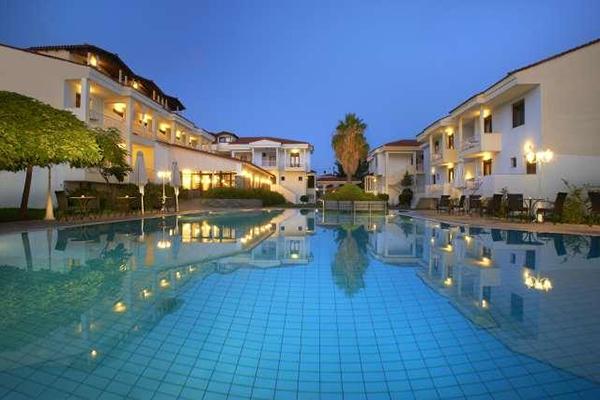 Hotel Lily Ann Village 600x400